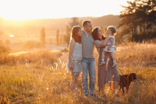 famille heureuse immobilier patrimoine